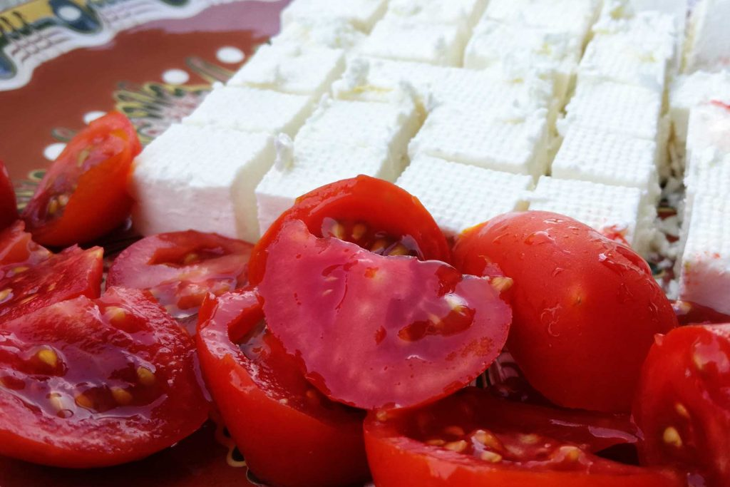 Сирене и домати